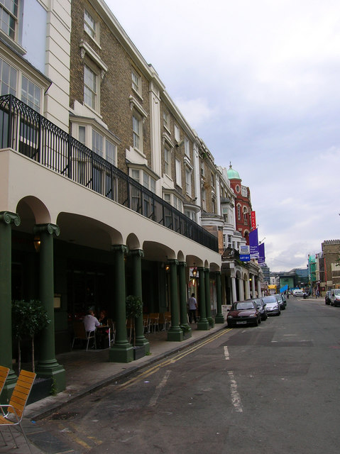 Colonnade, New Road