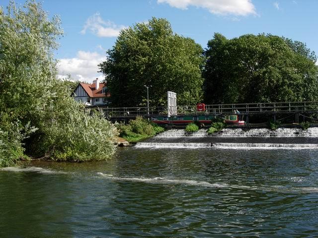 Weir at Sunbury Lock
