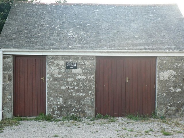 Stable and Trap House, Balwest