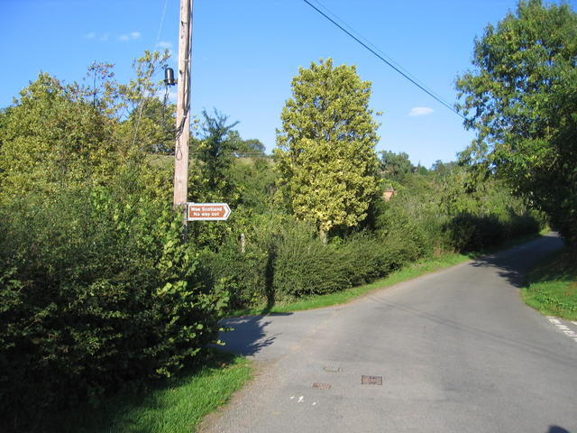 Approaching Frith Common