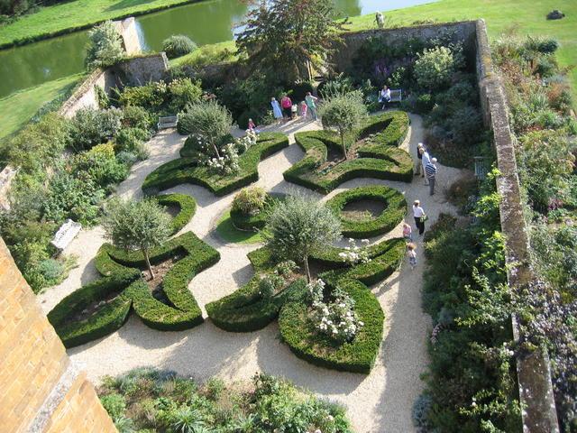 The Garden, Broughton Castle