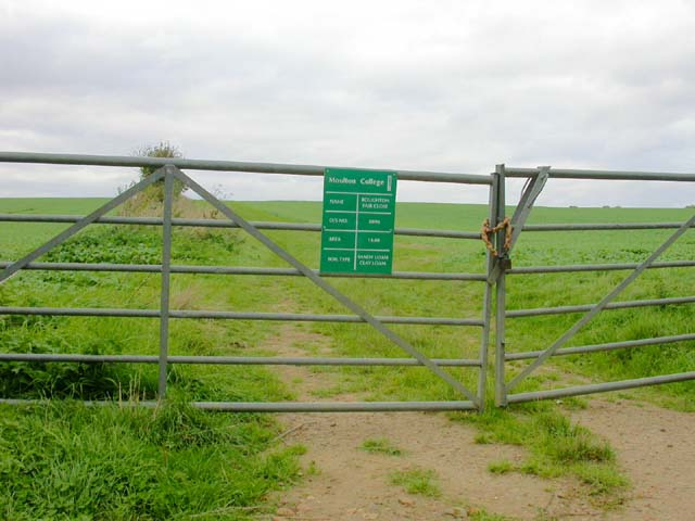 Entrance to Moulton College Land