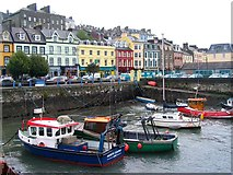 W7966 : Harbour at An Cobh by Peter Craine