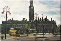 SE1632 : City Hall and Square, Bradford by Colin Smith