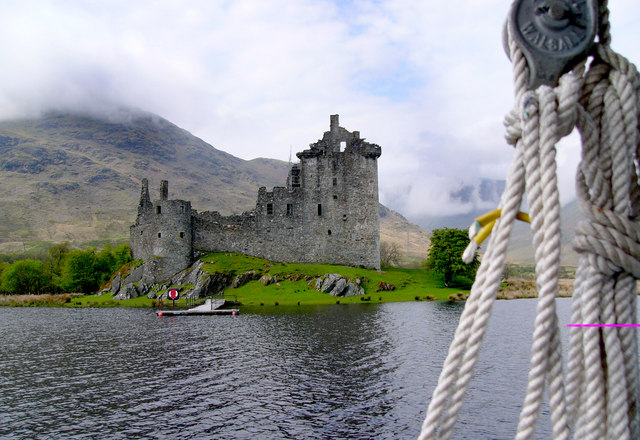 Kilchurn Castle from the boat