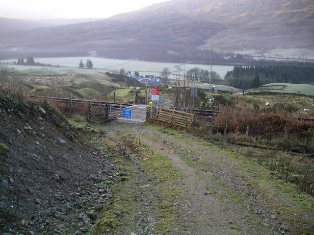 Level crossing near St Fillans Priory