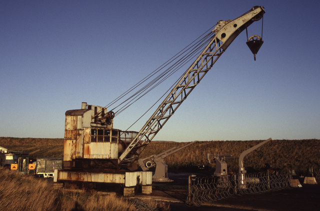 Preserved (!??) steam crane