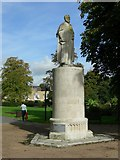 SU4212 : Statue in East Park by dennis huteson