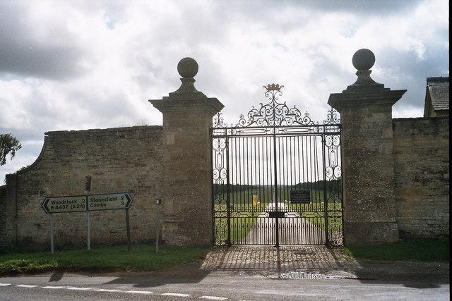 Ditchley Gate, Blenheim Park