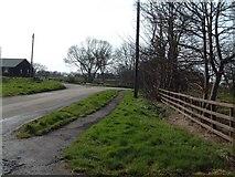 TA3719 : Skeffling Junction by Darren Haddock