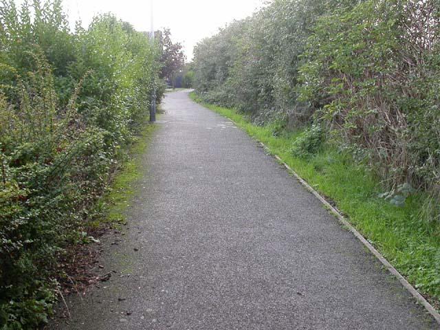 Footpath alongside Sandy Lane