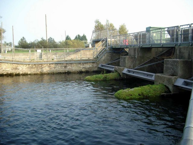 Brownshill Lock and Staunch