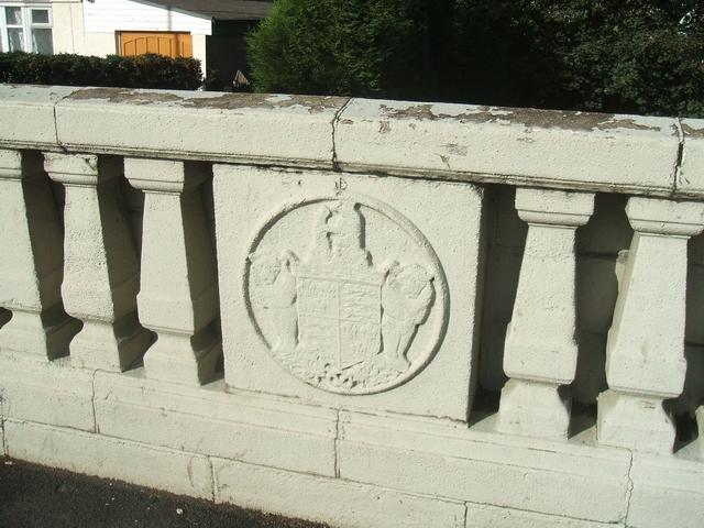 Emblem on Little Bloxwich Bridge