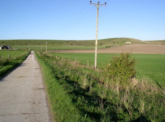 Farm track north of Harepath Farm