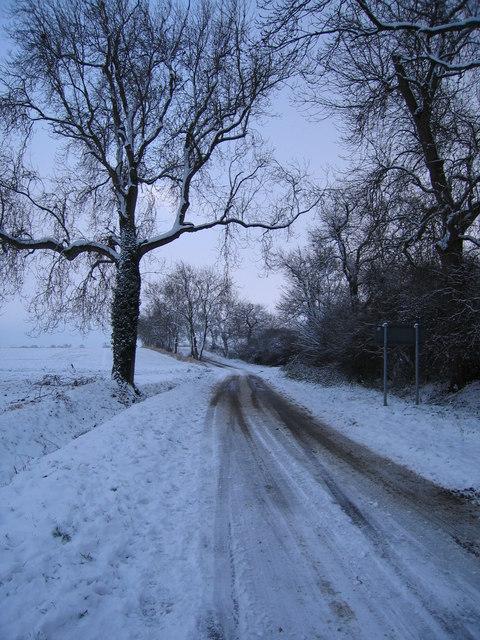Obthorpe Lane, looking south, Xmas 2005.