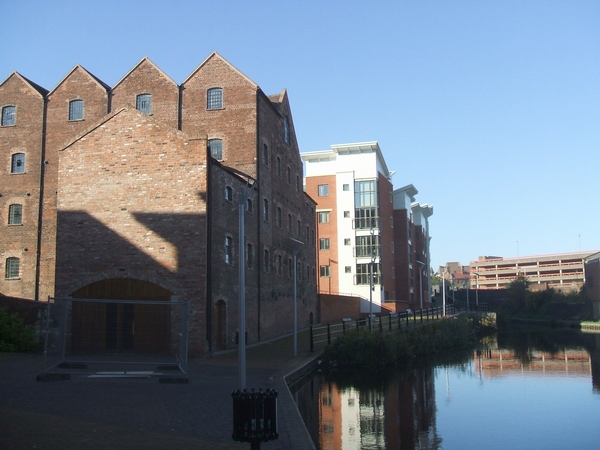 Albion Mill and Birmingham Canal