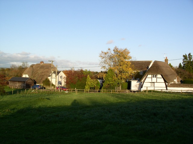 Thatched cottages, Wilsford