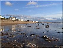 ST3049 : Burnham on sea beach, looking south by steven ashman