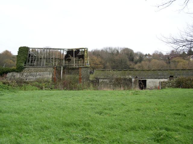 Derelict barn, Westleaze