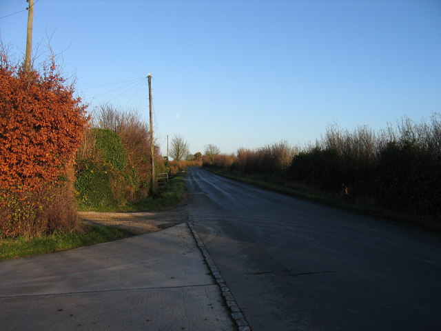 Road towards Down Ampney from near old A417