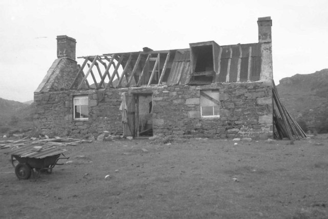 Peanmeanach bothy during renovation 1975