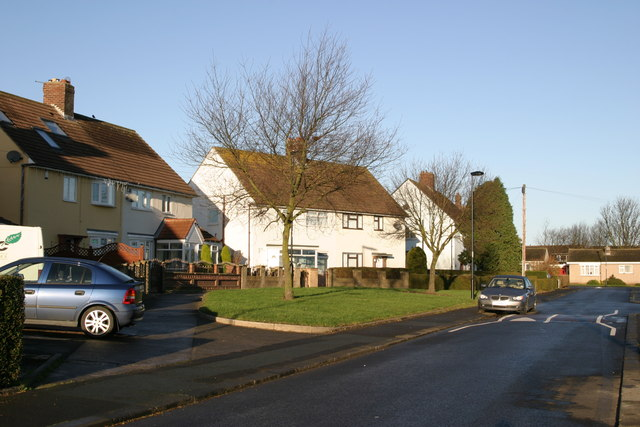 Poplar Avenue, Dinnington village