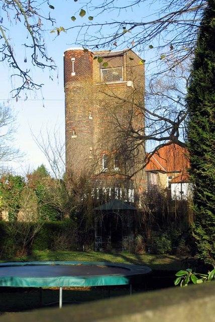 Water Tower, Quakers Walk, London N21