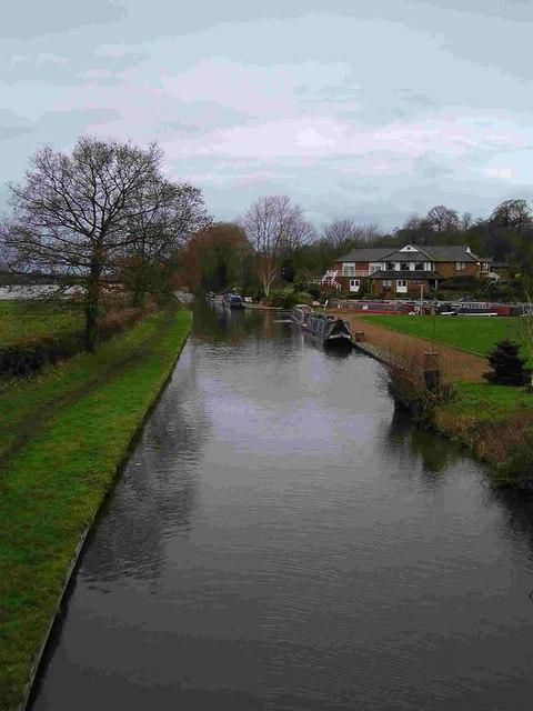 Staffordshire & Worcestershire Canal north from Hazlestrine Bridge