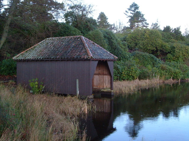 Boathouse, Nelly's Moss North Lake