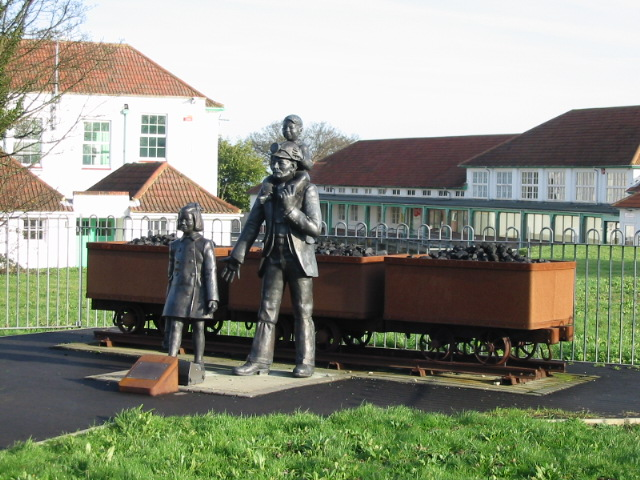 Commemorative statue showing Aylesham's history of mining