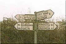O1573 : Bettystown: Road Sign by Raymond Okonski