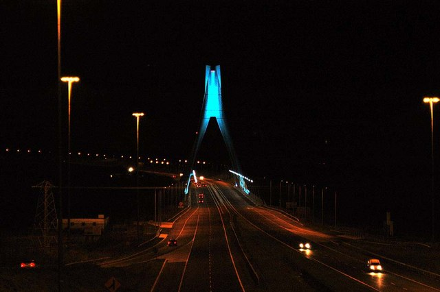 The Boyne Bridge at night