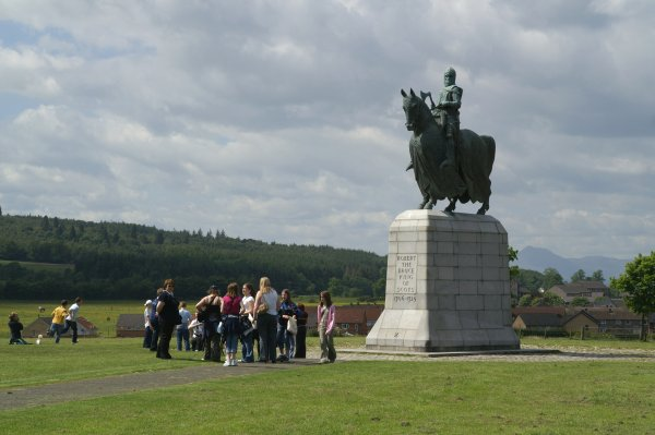 Robert the Bruce statue at Bannockburn visitor centre