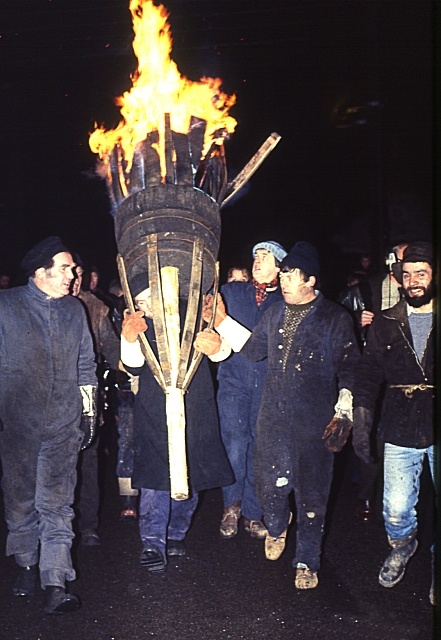 Burning of the Clavie (2) - the Procession
