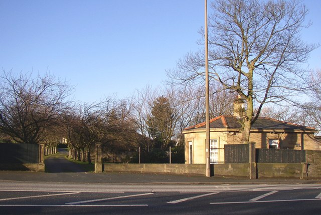 Lodge to Toothill Hall, Huddersfield Road, Rastrick