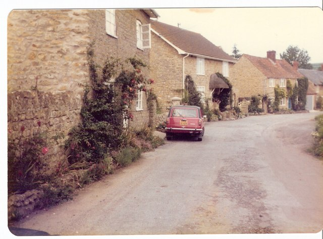 Sidestreet in Burton Bradstock