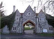 TQ0682 : Gatehouse entrance into cemetery by Rob Emms