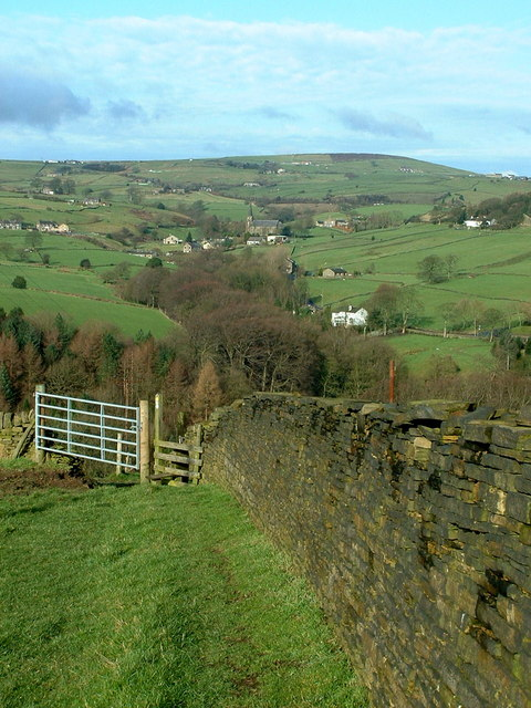 Calderdale Way descending towards Mill Bank