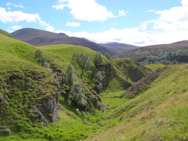 Rocky valley west of Lagganauld