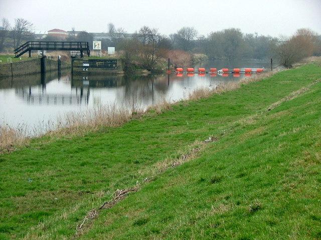 Thornes Flood Lock and the River Calder