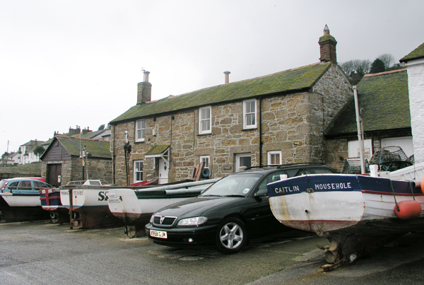 Mousehole harbourside cottages