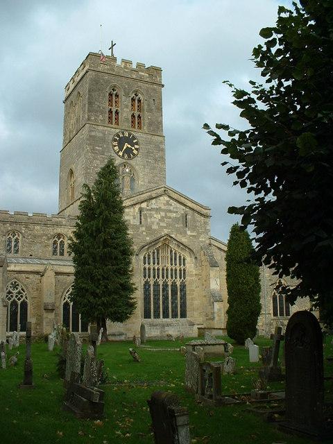 Church and churchyard: St Marys Thame