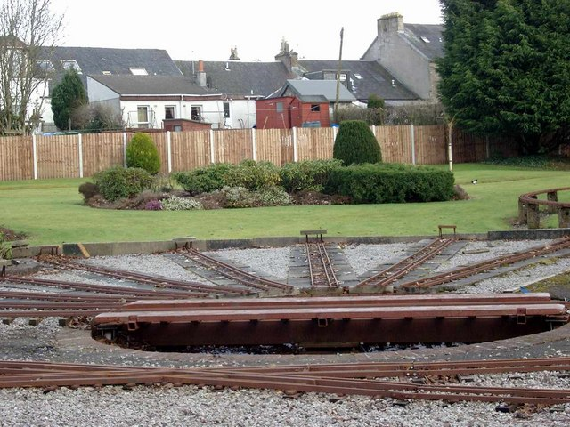 Model railway layout at Strathaven Park © Gordon Brown cc-by