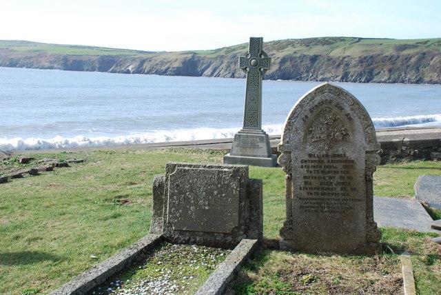 Mynwent Hywyn Sant  Aberdaron St Hywyn's Churchyard