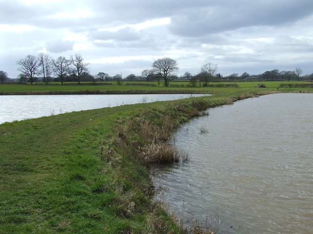 The Staffordshire Way bisects the Pools at Mere Hall