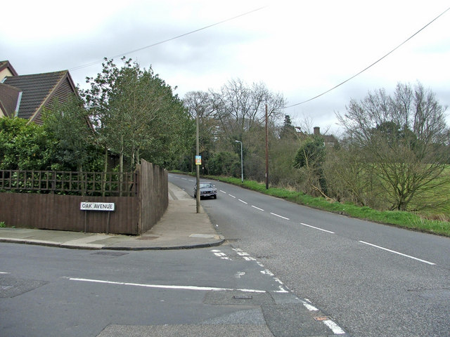 Junction of Oak Avenue and Hadley Road, Enfield