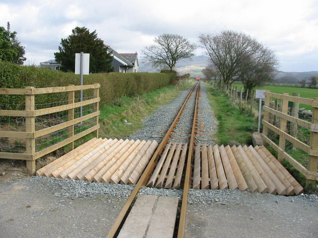 Level crossing at Cynfal