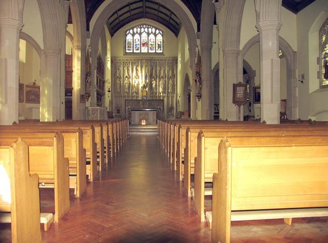 Our Lady of Lourdes, Harpenden - East end
