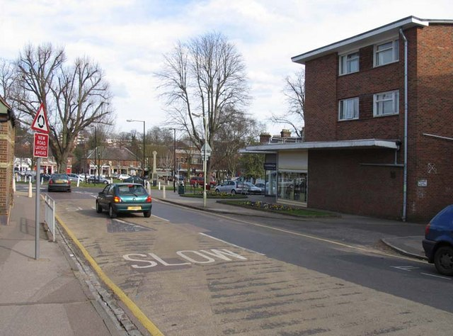 Rothamsted Avenue into High Street, Harpenden