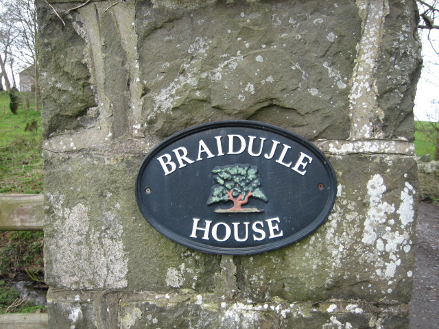 Nameplate for Braidujle House